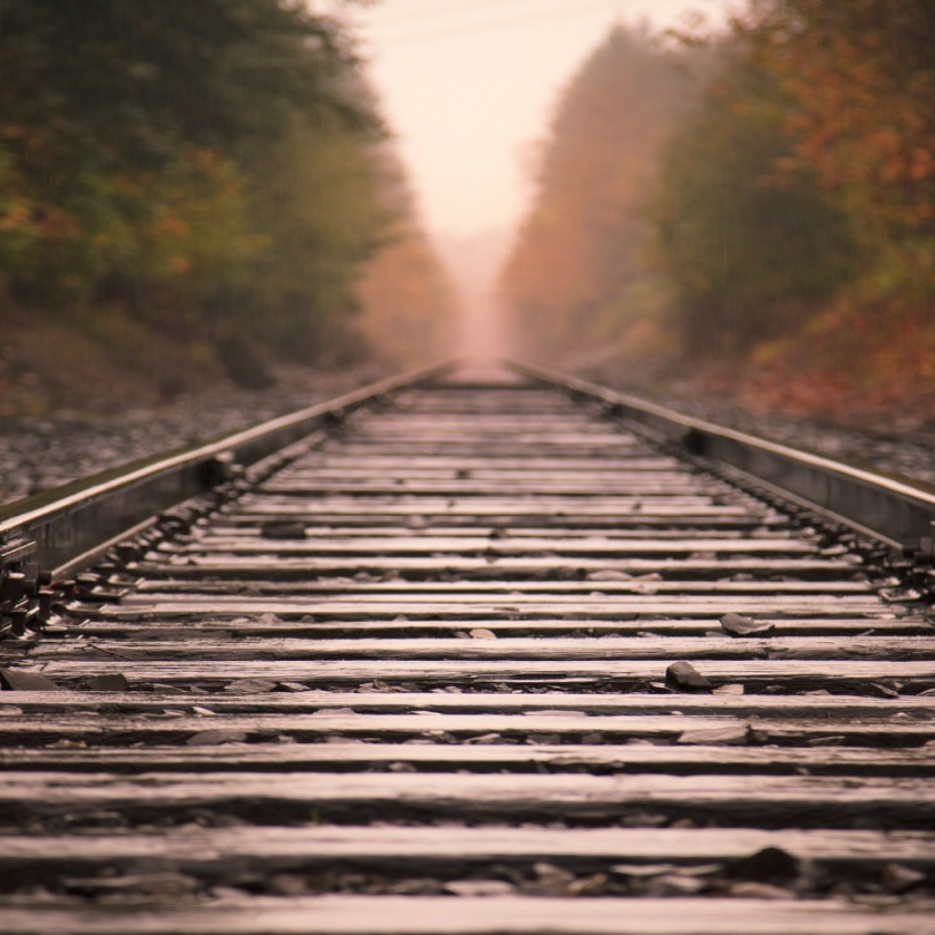 Railroad-Tracks-ipad-wallpaper-ilikewallpaper_com